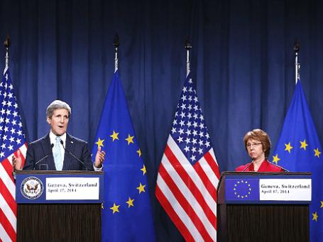 Госсекретарь США Джон Керри и Верховный представитель ЕС по внешней политике Кэтрин Эштон после переговоров о ситуации на Украине в Женеве, 17 апреля