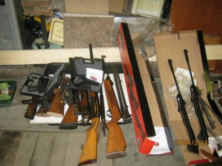 Оружие из ликвидированной мастерской. Фото: МВД России