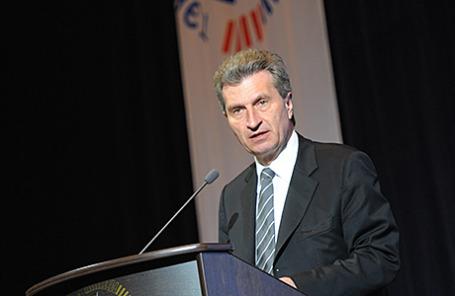 Комиссар ЕС по вопросам энергетики Гюнтер Эттингер.