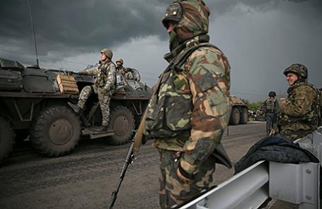 Украинские военные в Славянске, 2 мая 2014.