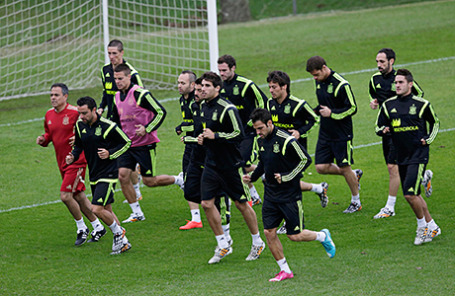 Сборная Испании по футболу во время тренировки перед Чемпионатом мира по футболу.
