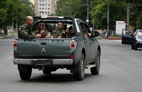 Украинские войска в восточном портовом городе Мариуполь.