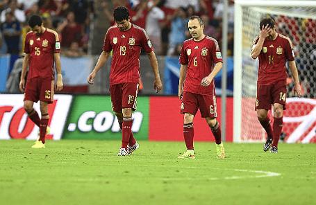 Сборная Испании во время игры с командой из Чили.