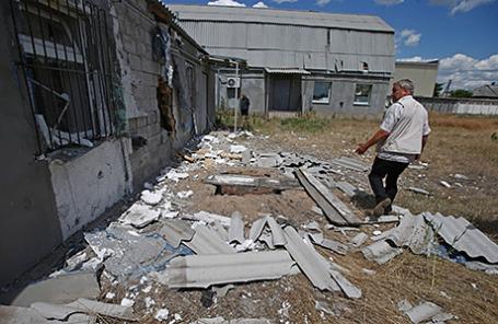Последствия обстрела села Макарово в Луганской области.