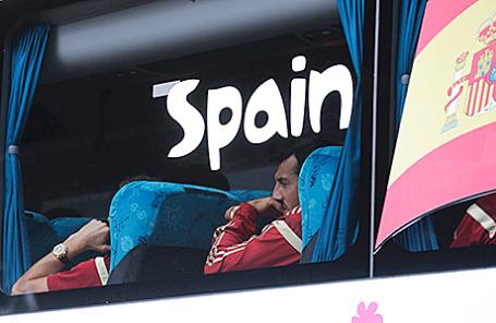 Автобус с игроками сборной Испании по футболу.