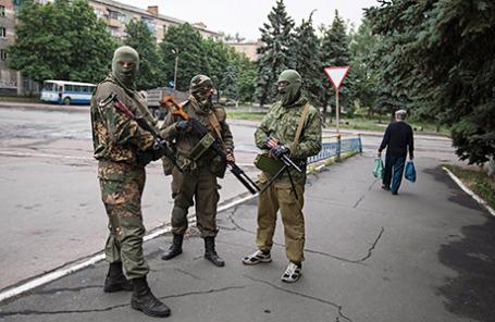 Вооруженные пророссийские сепаратисты на Украине.