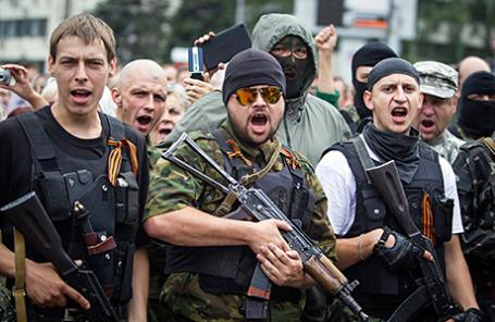 Вооруженные пророссийские сепаратисты самопровозглашенной ДНР.
