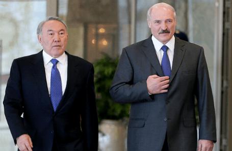 Президент Казахстана Нурсултан Назарбаев и президент Белоруссии Александр Лукашенко (слева направо).