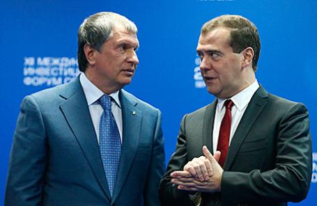 Глава «Роснефти» Игорь Сечин и премьер-министр РФ Дмитрий Медведев.