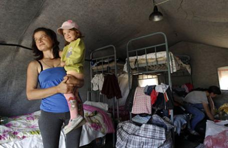 Палаточный лагерь для украинских беженцев в Ростовской области.