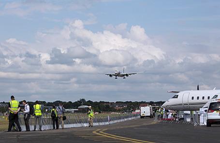 Перед началом авиасалона в Фарнборо.
