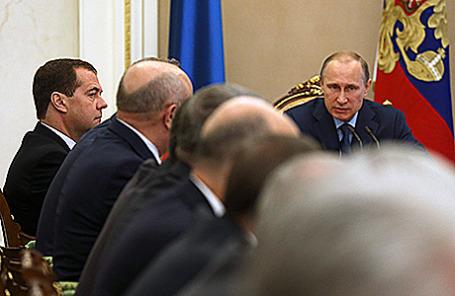 Президент РФ на совещании с членами Совбеза РФ, Москва, 22 июля 2014.