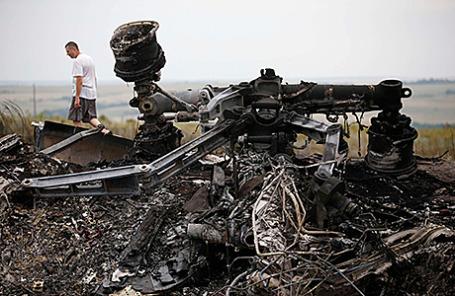 Место падения самолета Boeing «Малайзийских авиалиний» возле Донецка.