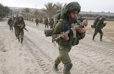 Израильские солдаты за пределами сектора Газа.