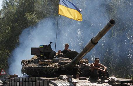 Танк украинских военных в Донецкой области.