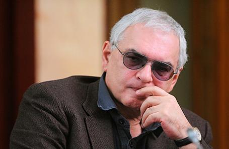 Директор киноконцерна «Мосфильм» Карен Шахназаров.