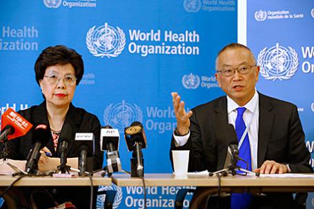 Генеральный директор ВОЗ Маргарет Чен и помощник генерального директора Кейджи Фукуда.