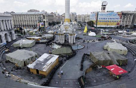 Вид сверху на площадь Независимости в Киеве 8 августа 2014.