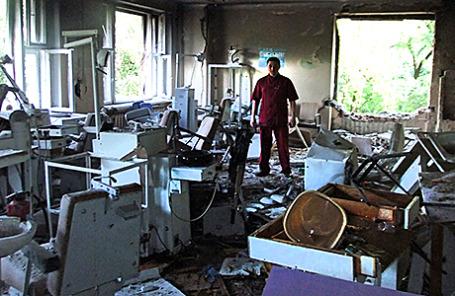 Разрушенная городская больница № 1 в Донецке.