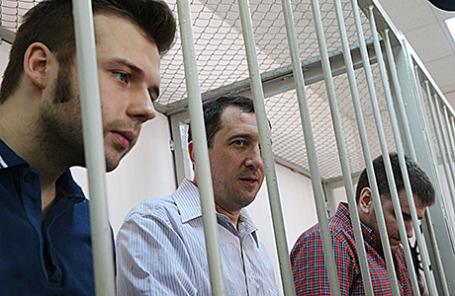 Илья Гущин, Александр Марголин и Алексей Гаскаров (слева направо), в Замоскворецком суде.