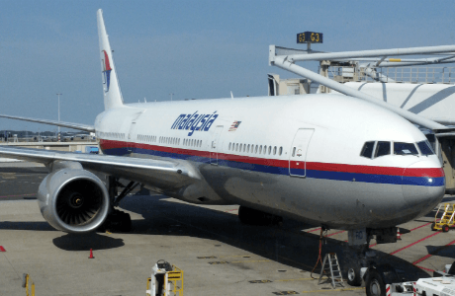 Boeing 777 «Малайзийских авиалиний» перед отправкой из Амстердама.