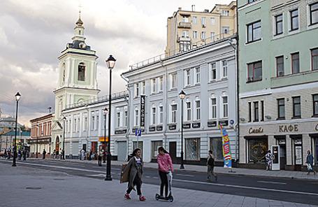 Обновленная улица Покровка в Москве.
