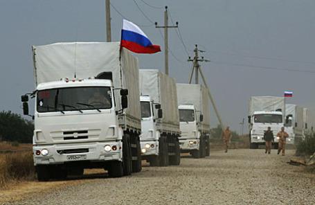 Российский конвой грузовиков с гуманитарной помощью для Украины в Ростовской области.
