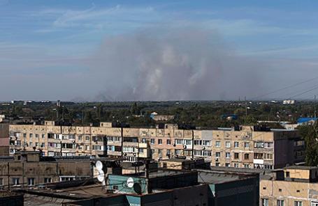 Дым после артобстрела в Донецке, 20 сентября 2014.