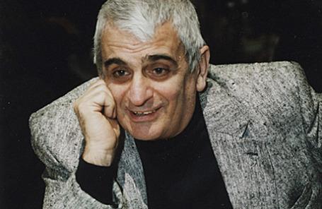 Режиссер Анатолий Эйрамджан.