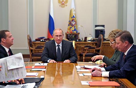 Президент Владимир Путин на заседании Совбеза РФ.