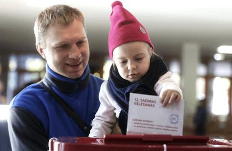 Во время парламентских выборов в Латвии.