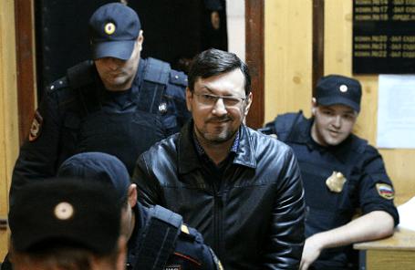 Бывший лидер ДПНИ Александр Белов (Поткин) во время рассмотрения ходатайства следствия о домашнем аресте.