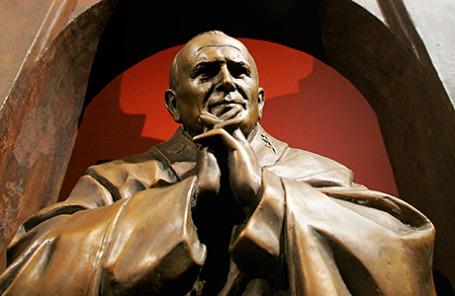 Макет памятника Папе Римскому Иоанну Павлу II.