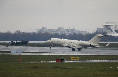На месте крушения самолета Dassault Falcon 50 в аэропорту «Внуково».