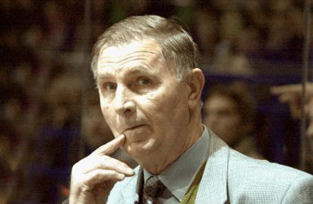 Хоккейный тренер Виктор Тихонов.