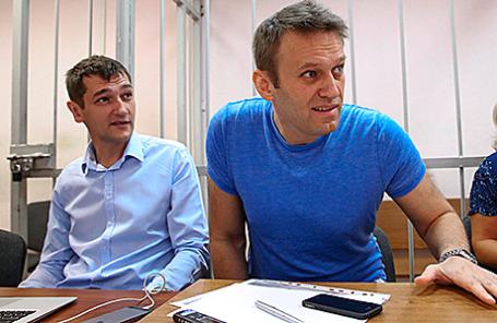 Братья Олег и Алексей Навальные (слева направо).
