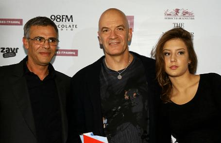 Режиссер Абделатиф Кешиш, президент компании «Кино без границ» Сэм Клебанов и актриса Адель Экзаркополус (слева направо) на премьере фильма «Жизнь Адель» в Гоголь-центре, 2013 год.