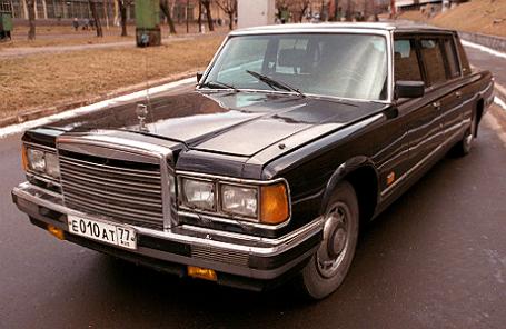 Знаменитый лимузин представительского класса — ЗИЛ-41047.