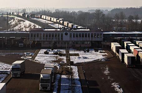 Контрольно-пропускной пункт Козловичи между Беларусью и Польшей под Брестом.