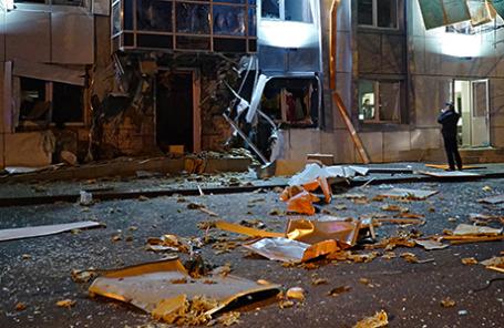 На месте взрыва в здании офиса организации, собирающей помощь для украинских военных в Одессе.