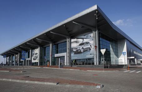 Здание аэропорта в Харькове.