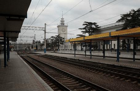 Железнодорожный вокзал Симферополя.