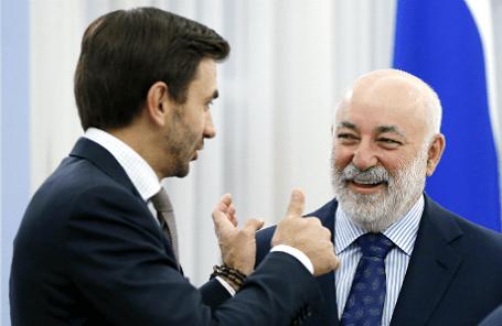 Министр по связям с открытым правительством Михаил Абызов и президент фонда «Сколково» Виктор Вексельберг (слева направо).