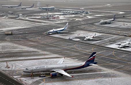 Вид на летное поле из командно-диспетчерского пункта в международном аэропорту «Шереметьево».