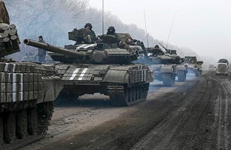Украинские военнослужащие недалеко от Дебальцево, 14 февраля 2015.
