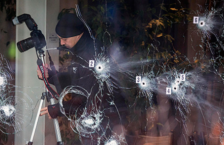 На месте стрельбы в кафе. Копенгаген, Дания, 15 февраля 2015.