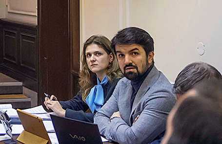 Адвокат Мурад Мусаев и его коллега Дарья Тренина (справа налево).