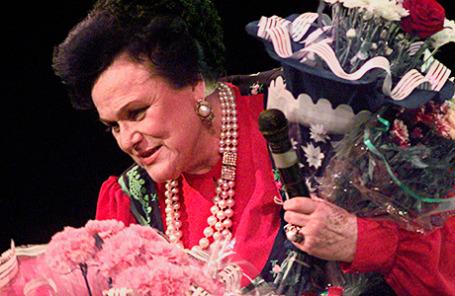 Людмила Зыкина на концерте, посвященном ее юбилею. Москва, 8 июня 1999 год.