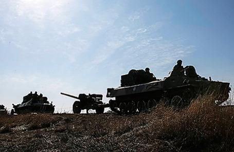 Украинские военнослужащие в Донецкой области, 27 февраля 2015.