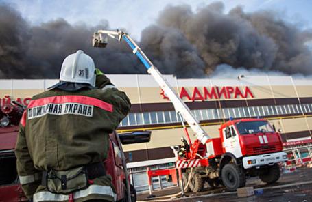 Тушение пожара в торговом центре «Адмирал».